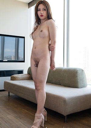 Free Ladyboy Long Haired Pics