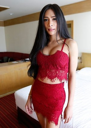 Skinny free pictures with Asian ladyboys